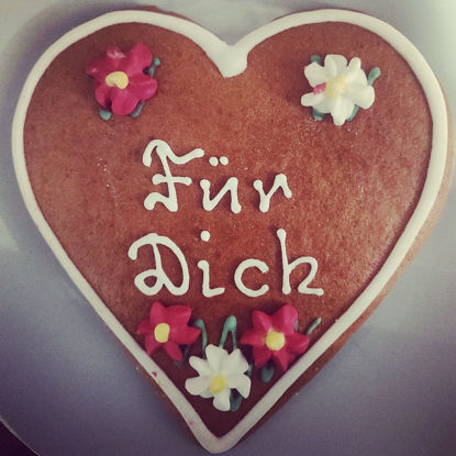 "Picture of Real Salzburger Lebkuchenherz - Lebkuchen Hearts with ""Für dich"" writing (12cm)"